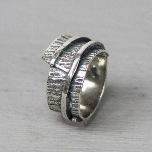 17161 - Ring zilver met textuur