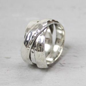 18102 - Ring zilver met hamerslag