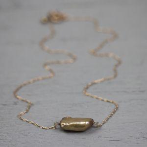18765 - Collier goldfilled rose met bruine parel