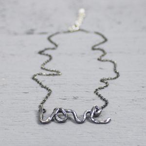 19120 - Collier geoxideerd zilver LOVE